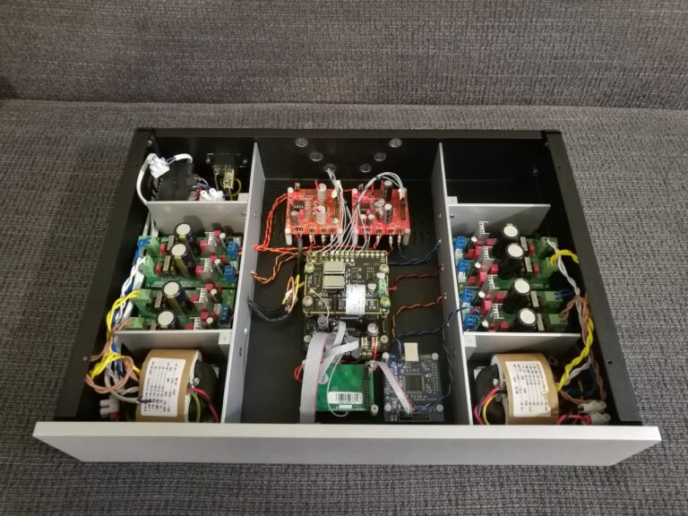 Digitalni sustav sa DSP skretnicom i 4-kanalnim DAC-om (Digi1)